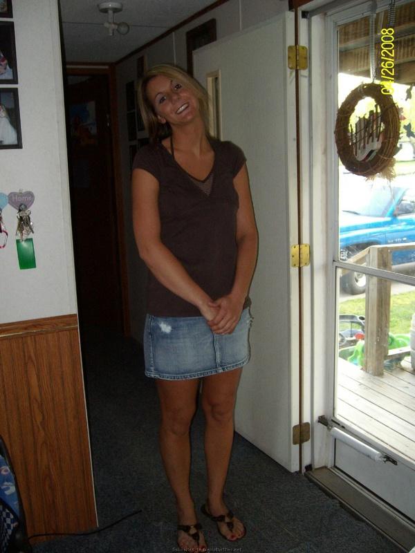 Снимки похотливой латинки в рубашке на голое тело дома 38 фото
