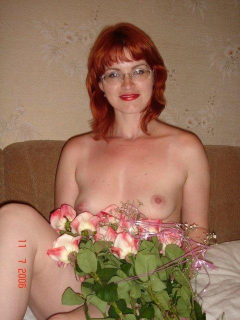 Рыжая стерва не отказывается от секса и позерства 3 фото