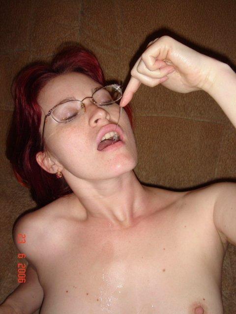 Рыжая стерва не отказывается от секса и позерства 12 фото