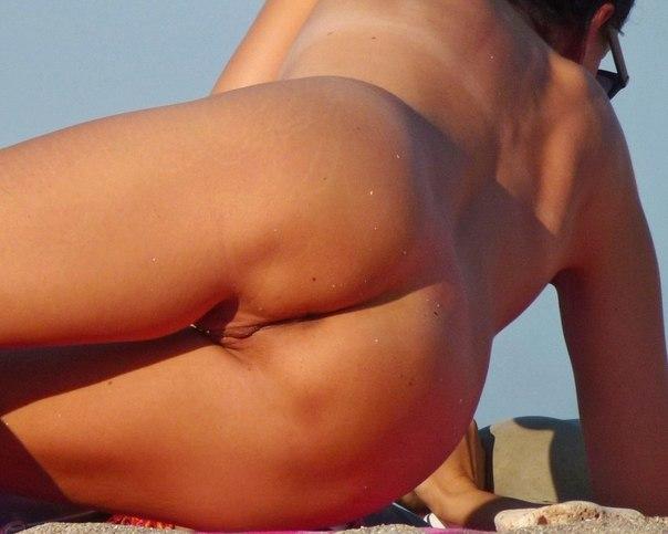 Фотографии голых в публичных местах 19 фото