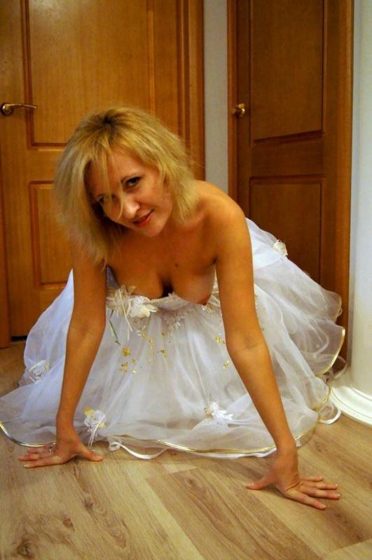 Мамка возбуждает нового мужа перед первой свадебной ночью 7 фото