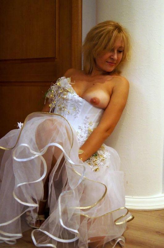Мамка возбуждает нового мужа перед первой свадебной ночью 8 фото