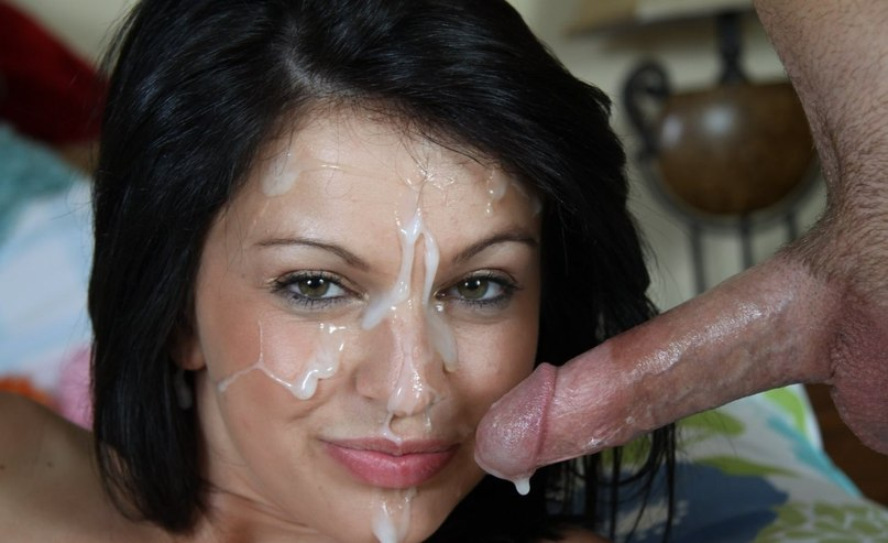 Мужики одаривают разведенных телок спермой на лицо после минета 6 фото