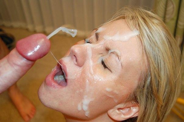 Мужики одаривают разведенных телок спермой на лицо после минета 33 фото