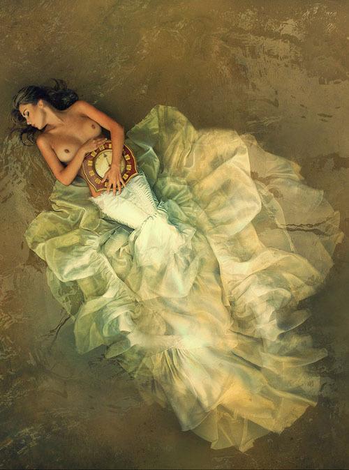 Красивая модель из Москвы на студийных снимках и в жизни 15 фото