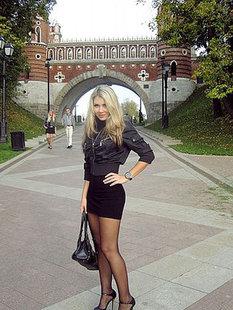 Красивая модель из Москвы на студийных снимках и в жизни
