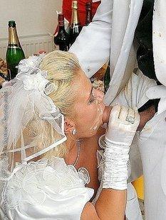 Сексуальные невесты сосут члены и позируют в свадебных платьях