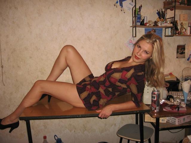 Подборка домашних девушек и мамок в нижнем белье и голышом 26 фото