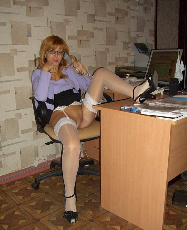 Русская жена раздевается для мужа дома и на отдыхе 6 фото