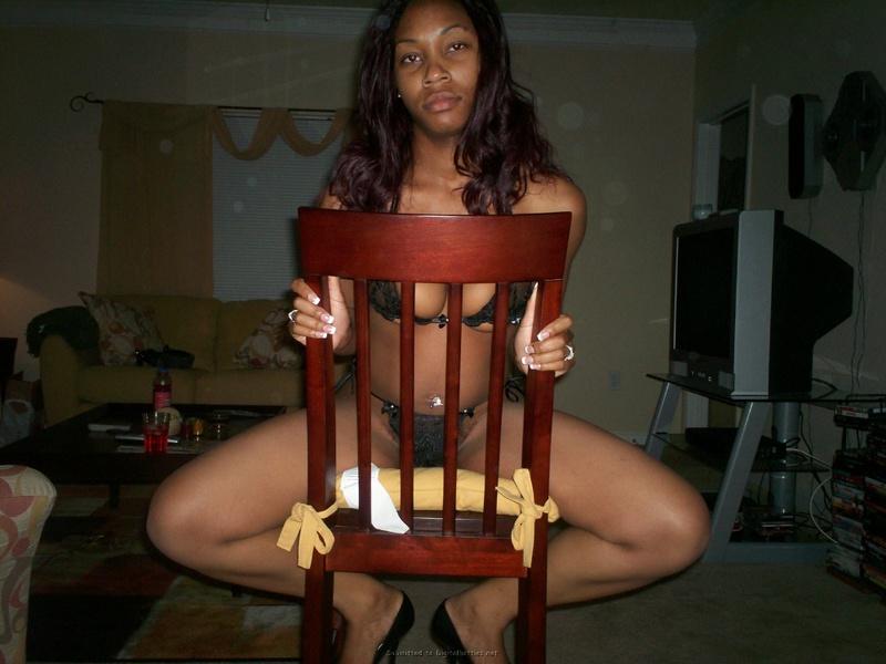 Привлекательная негритянка возбудила мачо перед поркой 18 фото