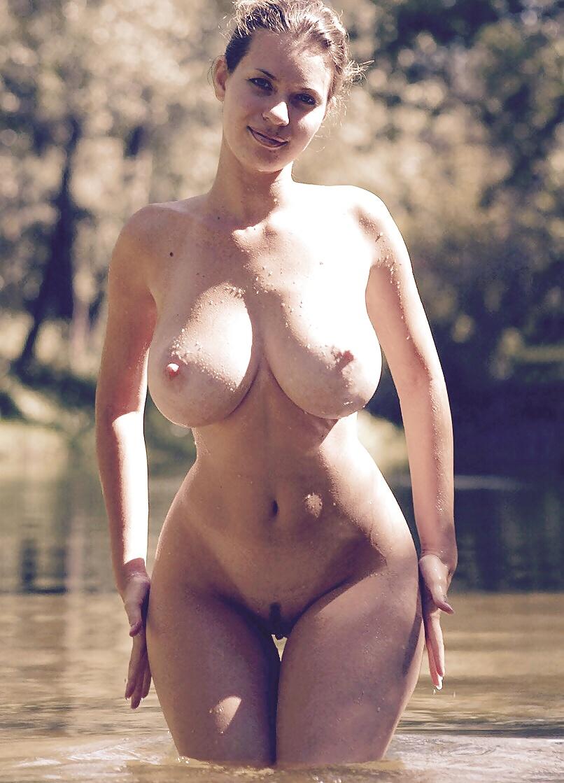 Огромные сиськи шикарных моделей на любой вкус 1 фото