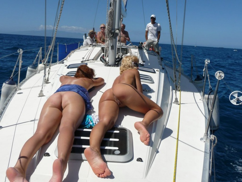 Эро отдых с подругой на море 16 фото