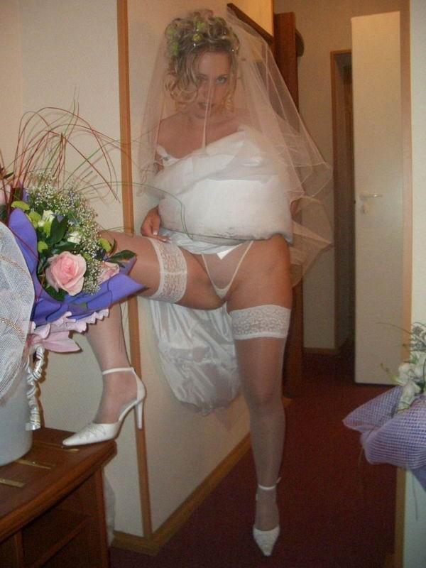 Подборка частных снимков сексуальных мамочек и горячих телок 3 фото