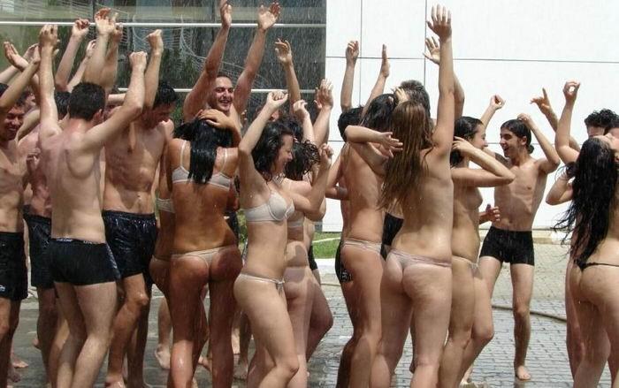 Подборка частных снимков сексуальных мамочек и горячих телок 9 фото