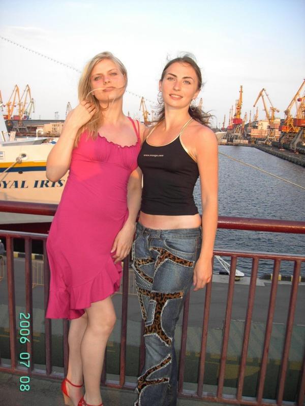 Русская баба отдыхает на морском курорте и ходит на экскурсии 15 фото