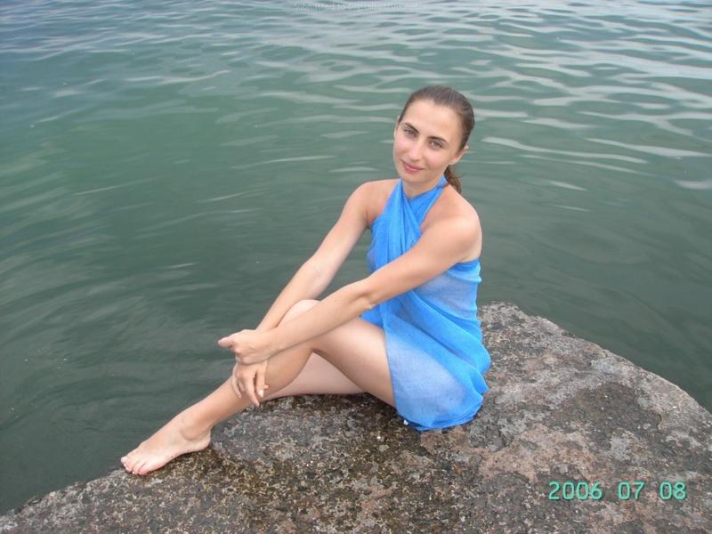 Русская баба отдыхает на морском курорте и ходит на экскурсии 10 фото