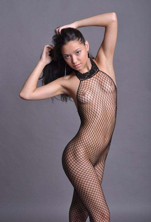 Узбекская модель из Москвы на студийных снимках и в жизни 12 фото