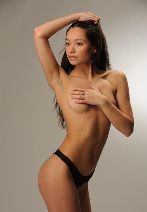 Узбекская модель из Москвы на студийных снимках и в жизни 10 фото