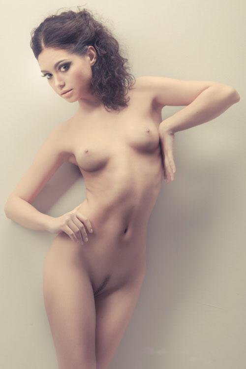 Узбекская модель из Москвы на студийных снимках и в жизни 20 фото