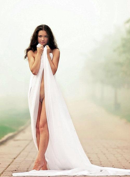 Узбекская модель из Москвы на студийных снимках и в жизни 17 фото