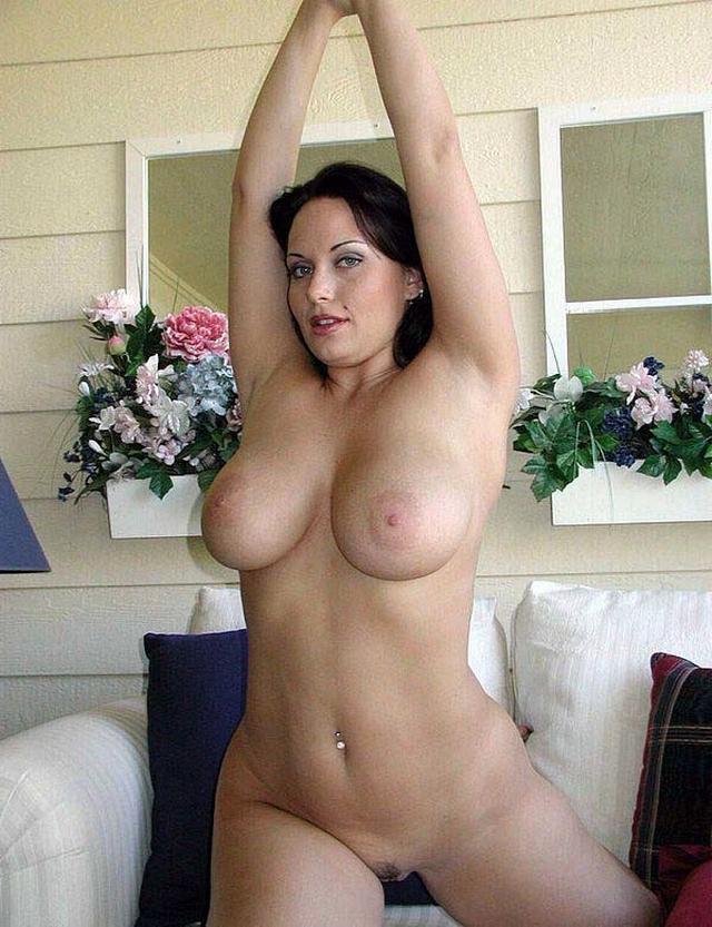 Подборка сексуальных мамочек с большой грудью и похотливым нравом 8 фото