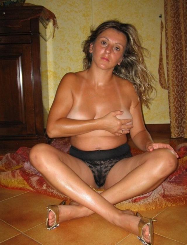 Подборка сексуальных мамочек 18 фото