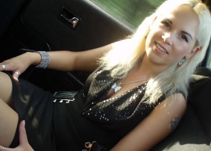 Русская разведенка примеряет эро белье на камеру для любовника 1 фото