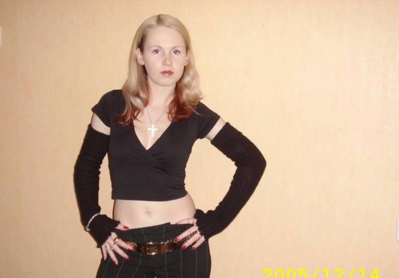 Русская разведенка примеряет эро белье на камеру для любовника 16 фото