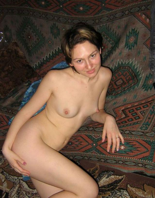 Подборка взрослых мамочек и неопытных телок, любящих трахаться 20 фото