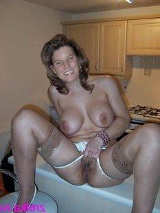 Подборка домашних снимков голых дамочек с большой грудью
