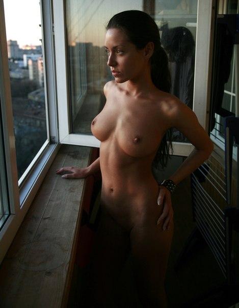 Женщины с недотрахом светят кисками и анусами для любовников 17 фото