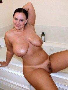 Сексуальные домохозяйки с шикарными формами