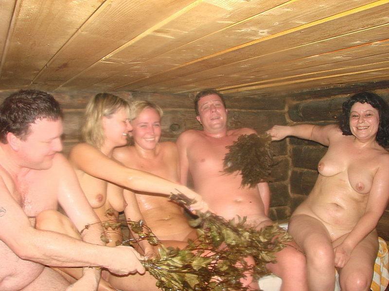 Голые бабы выпили и сходили с мужиками в русскую баню 16 фото