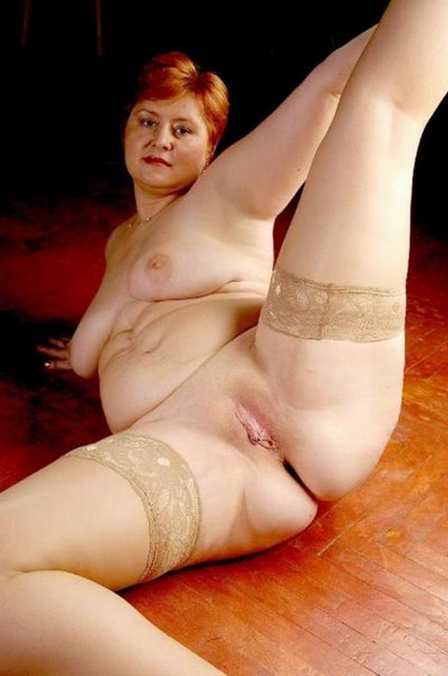 Подборка зрелых женщин, раздвигающих рогатки в нижнем белье 14 фото