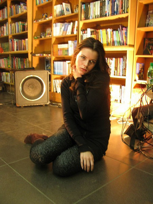 Частные снимки молодой эро-модели из России 3 фото