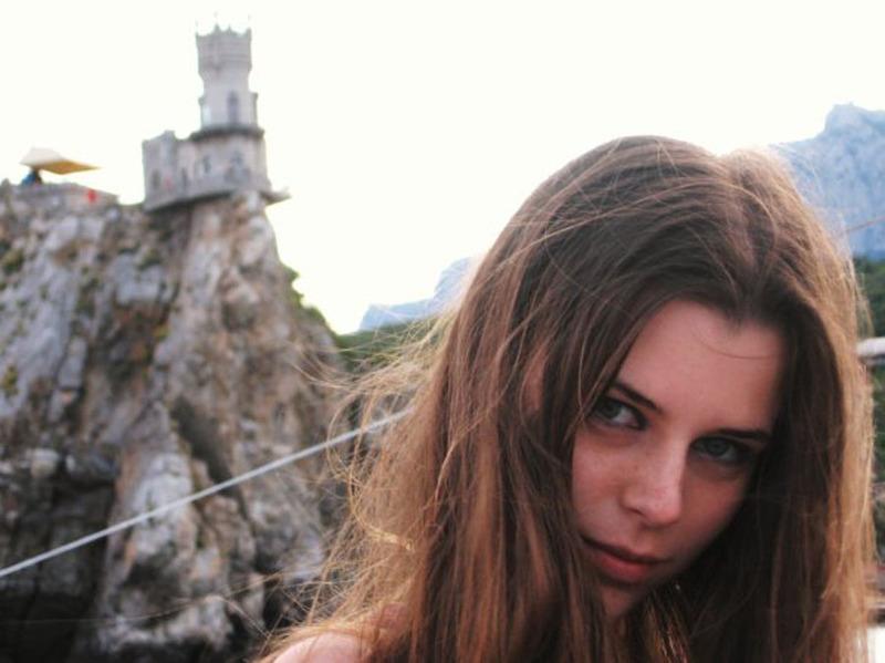 Частные снимки молодой эро-модели из России 2 фото