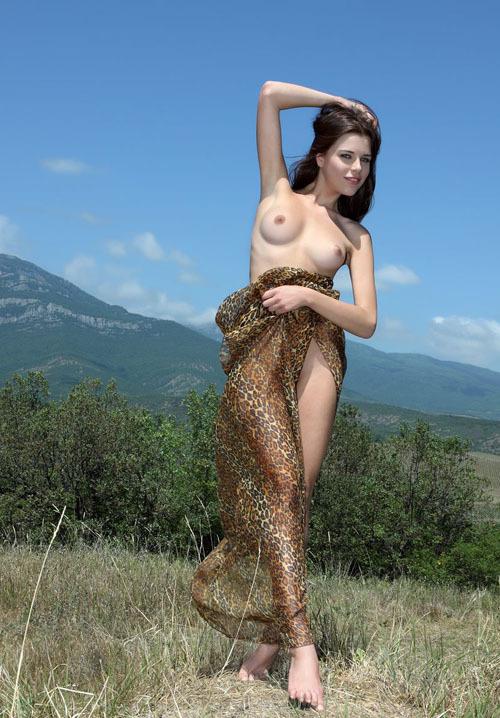 Частные снимки молодой эро-модели из России 13 фото