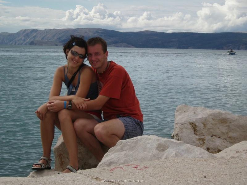 Снимки молодой пары за прогулкой и сексом дома 22 фото