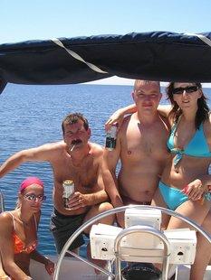 Пьяный отдых на яхте в компании озорных подружек