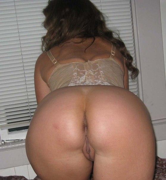 Домашние снимки женщин с большими задницами 21 фото
