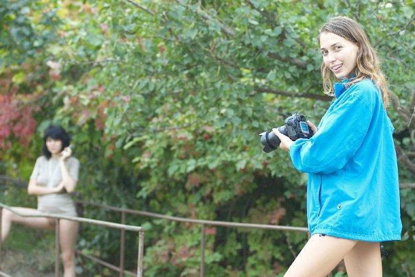 Русская эро-модель позирует на курорте 3 фото
