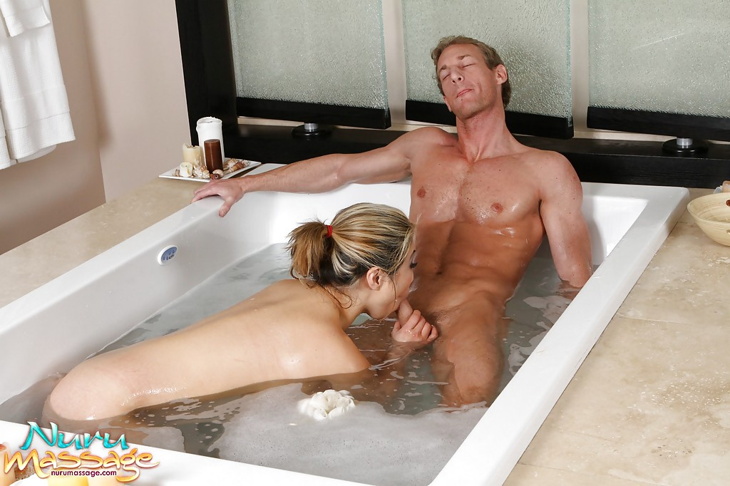 Babe Moriah Mills Drilled In The Bathtub