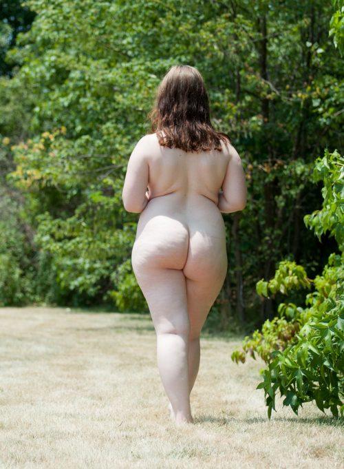 Голые толстушки перед камерами партнёров 7 фото
