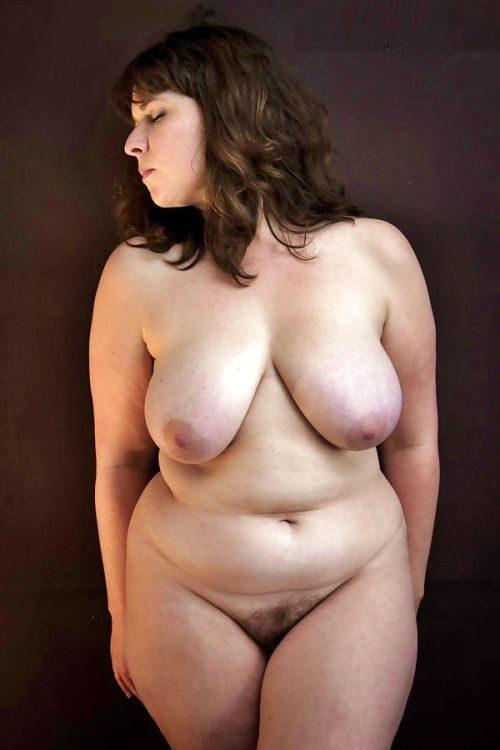 Голые толстушки перед камерами партнёров 10 фото