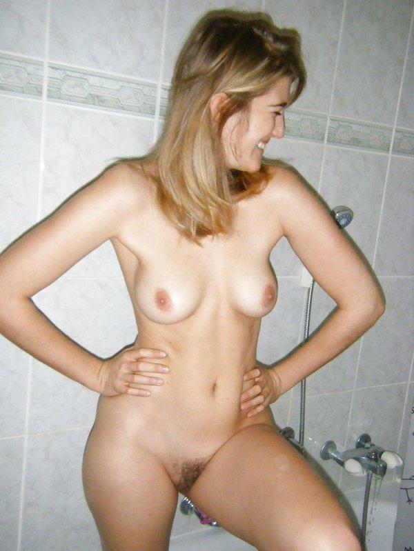 Подборка нескольких девушек голышом в домашних условиях 5 фото