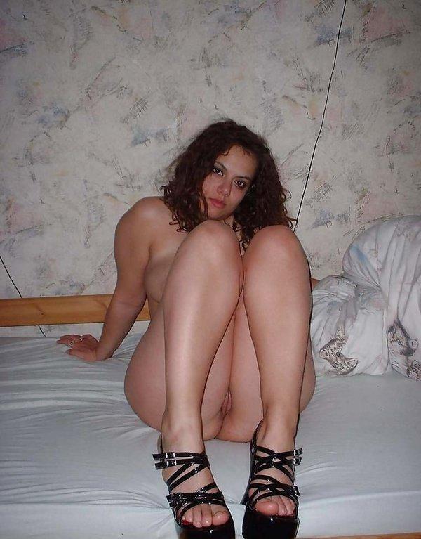 Подборка нескольких девушек голышом в домашних условиях 16 фото