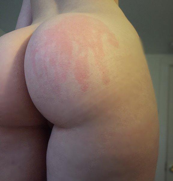 Подборка голых задниц красоток в домашних условиях 2 фото