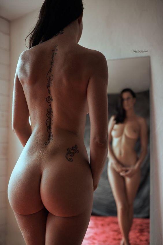 Подборка голых задниц красоток в домашних условиях 13 фото