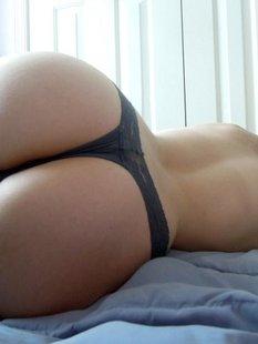 Подборка голых задниц красоток в домашних условиях