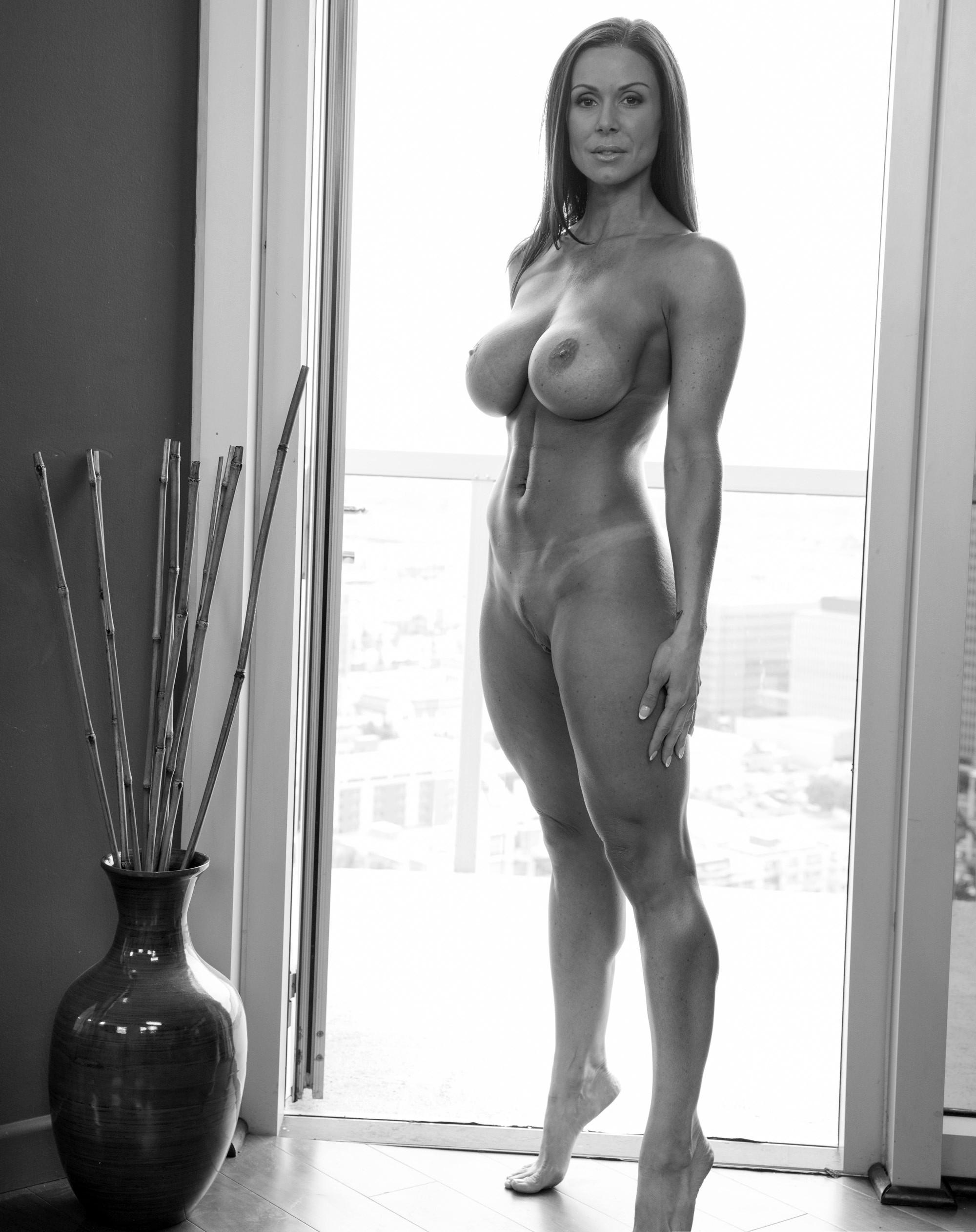 Взрослые телки голышом в домашних условиях 7 фото